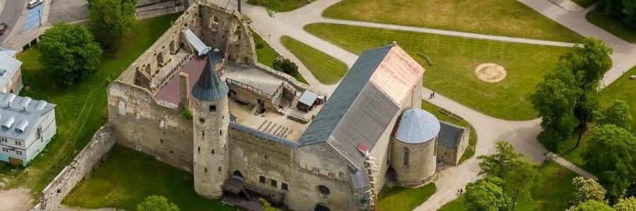 Haapsalu vanha linna castle